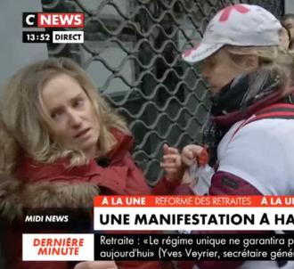 La journaliste Claire Sergent blessée par une bouteille...