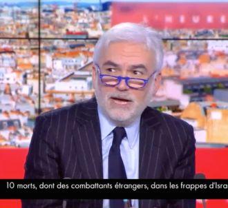 Arnaud Montebourg se prend une vitre sur CNews.