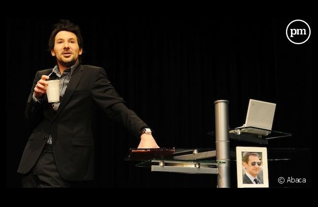 Régis Mailhot, sur scène, en 2010