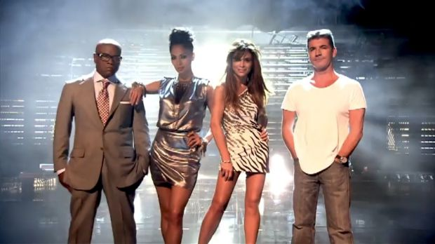 X Factor. - Page 13 4436106-le-jury-de-the-x-factor-us-2011-620x0-1