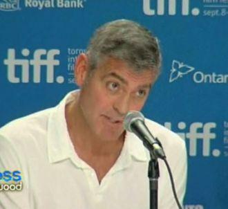 George Clooney agacé face à un journaliste