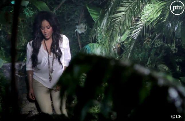 """Amel Bent dans le clip de """"Je reste"""""""