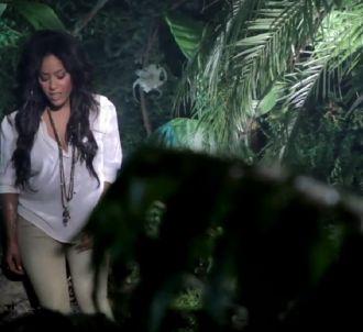 Amel Bent dans le clip de 'Je reste'