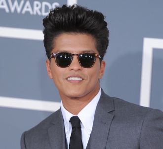 Bruno Mars sur le tapis rouge des Grammy Awards 2012