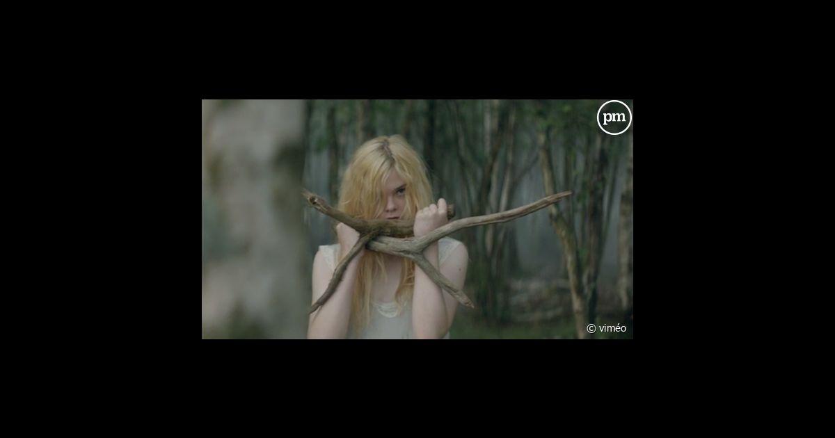 Fanning Jeune Elle La Puremedias Lempicka PubLolita Sublime mN8OPynvw0