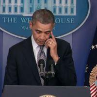Fusillade de Newtown : Barack Obama verse une larme en conférence de presse