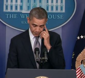 Barack Obama verse une larme après la tuerie de Newtown.