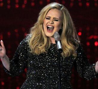 Adele interprète pour la première fois 'Skyfall' aux...