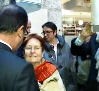 Une dame demande à François Hollande de ne pas épouser...