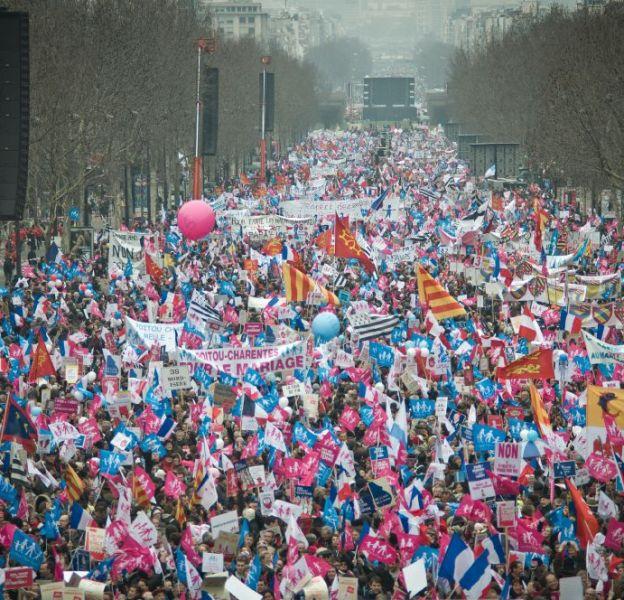 """Il y avait 300.000 manifestants selon la police à la """"manif pour tous"""" contre le mariage gay, le 24 mars 2013 à Paris. 1,4 million selon les organisateurs."""