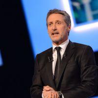 Antoine de Caunes remplace Michel Denisot au