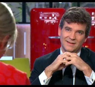 Arnaud Montebourg face à Anne-Sophie Lapix, dans 'C à...