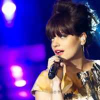 Charts UK : Lily Allen et Robbie Williams en tête, Lady Gaga s'effondre