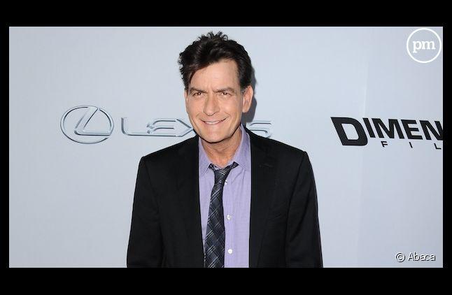 """Charlie Sheen menace d'envoyer Ashton Kutcher """"à l'hôpital pour un an"""""""
