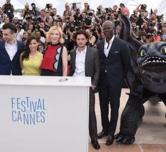 Cate Blanchett a passé sa journée avec un dragon en...
