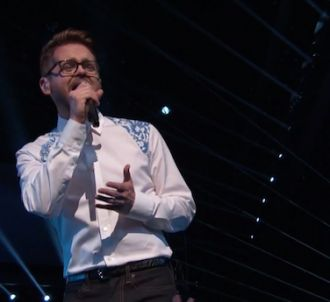 Josh Kaufman reprend 'Every Breath You Take' lors de la...