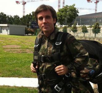 David Pujadas a sauté en parachute pour le 14 juillet