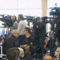 Le coup de com' : Le premier meeting de Nicolas Sarkozy