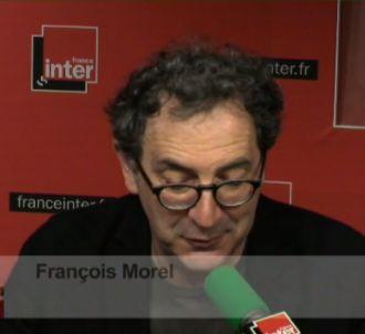 <span>François Morel clame son amour du service...