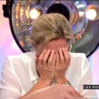 Anne-Sophie Lapix prise d'un fou rire incompréhensible dans
