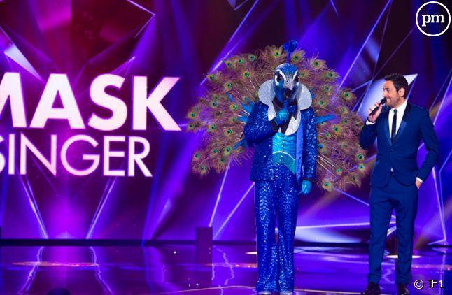 """Camille Combal et le Paon sur le plateau de """"Mask Singer"""""""