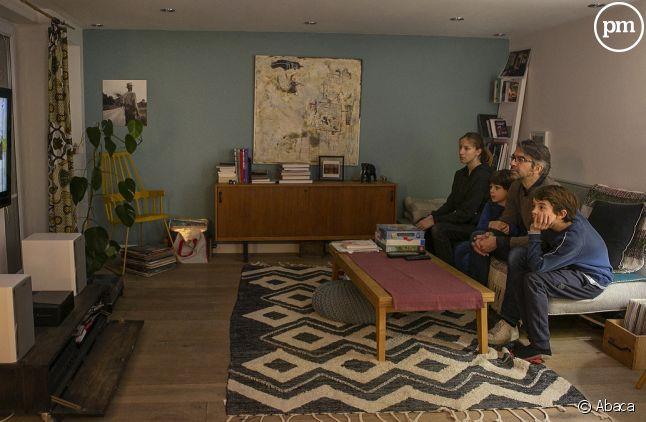 Les Français passent plus de temps devant la télé