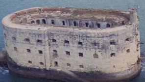 """""""Les aventuriers"""" : Quand le fort Boyard faisait son apparition à l'écran... au cinéma (et en ruines !)"""