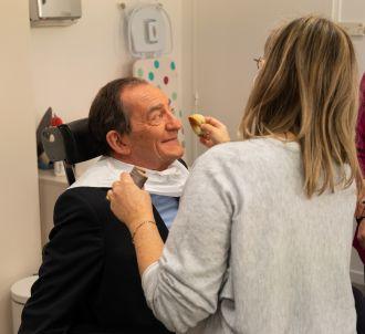 Jean-Pierre Pernaut au maquillage avec Evelyne Dhéliat