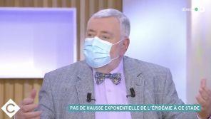"""Faible vaccination des soignants : Jean-Daniel Flaysakier pousse un coup de gueule contre ce """"scandale"""" dans """"C à vous"""""""