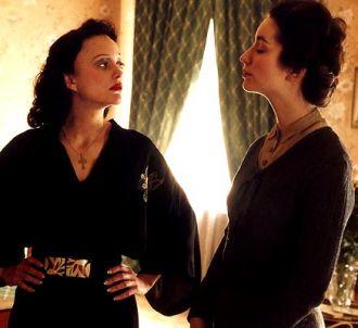 Marion Cotillard (à gauche) dans 'La Môme'