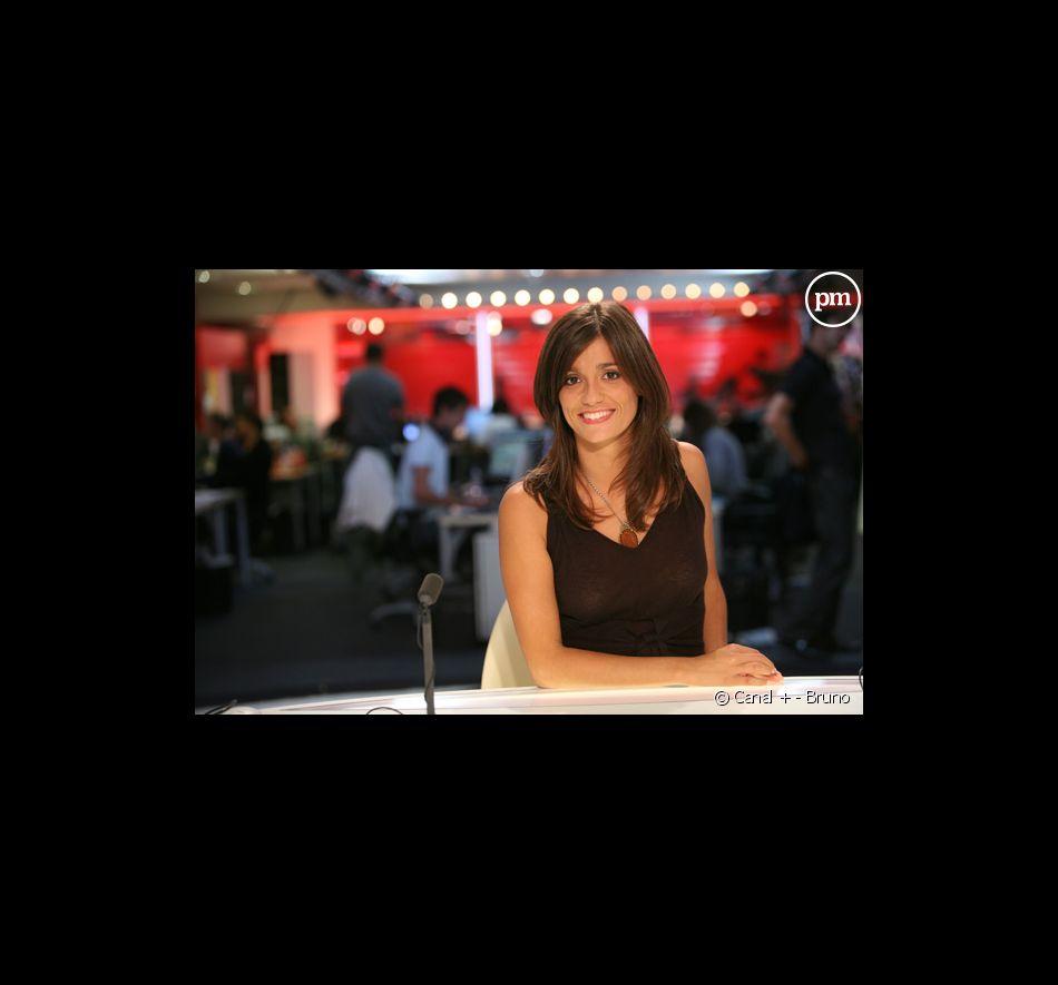 Tania Young, présentatrice météo sur i>TELE.