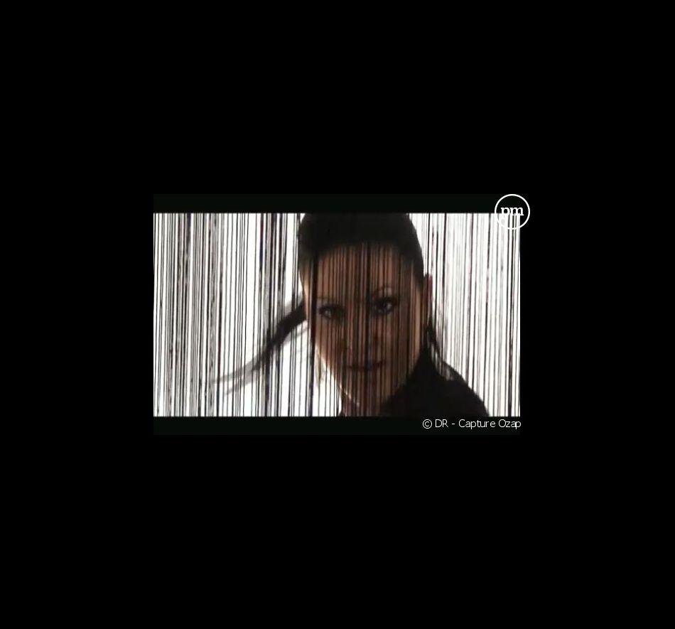 """Cindy Sanders dans le clip """"Le secret de nous"""""""