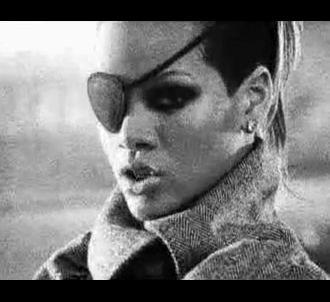 Rihanna dans le clip de 'Wait Your Turn'
