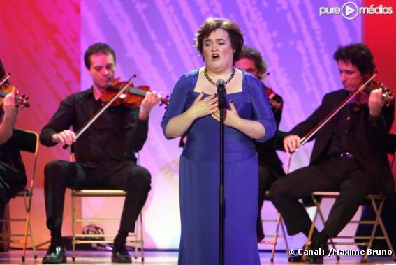 """Susan Boyle sur le plateau du """"Grand Journal de Canal+"""""""