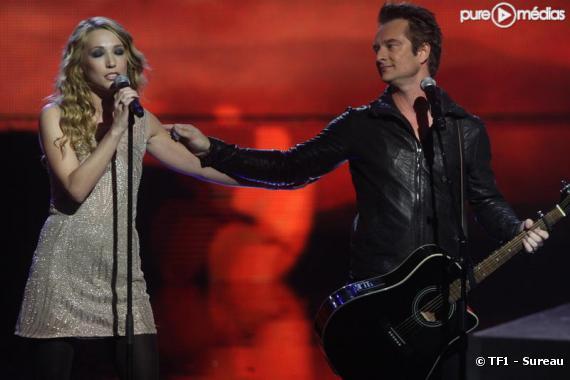 """Laura Smet et David Hallyday, le 24 janvier 2010 sur la scène des """"NRJ Music Awards"""""""