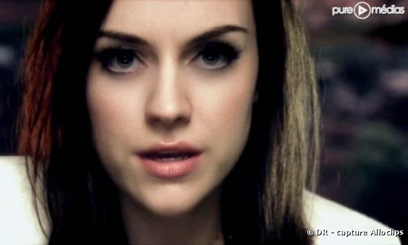 "Amy Macdonald dans le clip de ""Don't Tell Me That It's Over"""