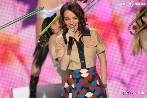 Alizée, sur le plateau de la Star Academy.