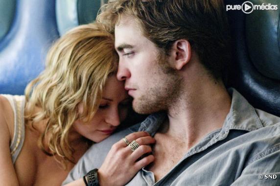Emilie de Ravin et Robert Pattinson dans