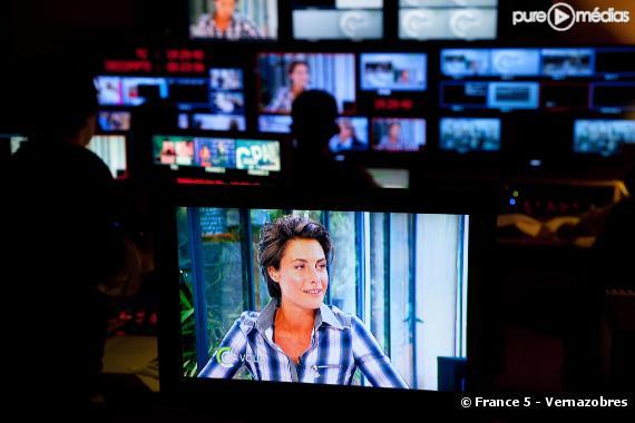 """Alessandra Sublet présente """"C à vous"""" sur France 5"""