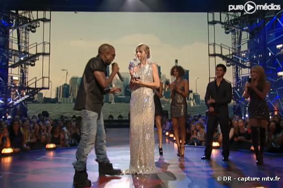 Kanye West interrompt Taylor Swift lors des MTV Video Awards 2009