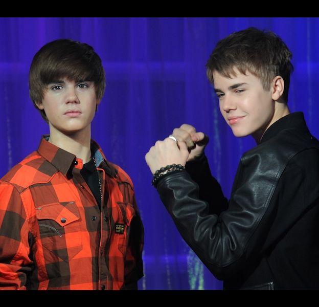 Justin Bieber découvre sa statue de cire au musée Madame Tussaud de Londres