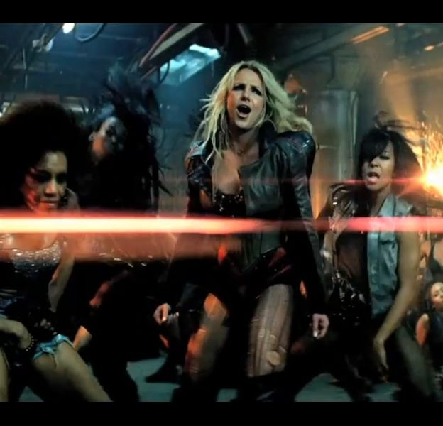 "Britney Spears dans le clip de ""Till the World Ends"""