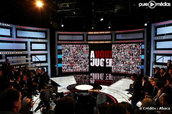 """Le plateau de """"A vous de juger"""" sur France 2"""