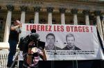 """Les acteurs de """"Plus Belle La Vie"""" dans un clip pour libérer les journalistes otages"""