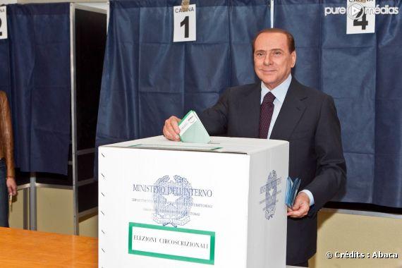 Silvio Berlusconi lors des éléctions municipales à Milan, le 15 mai 2011