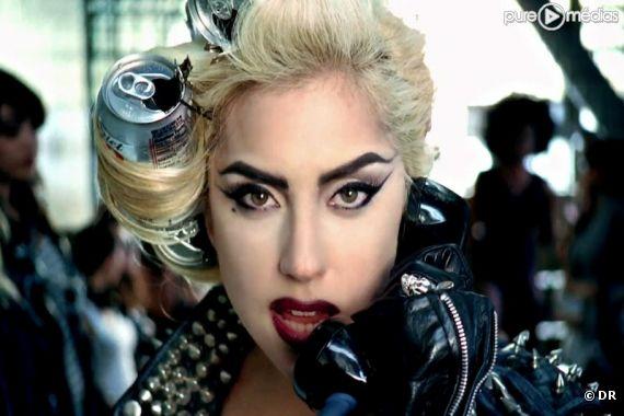 Lady Gaga dans le clip de Telephone