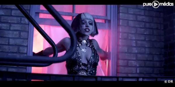 "Lady Gaga dans le clip de ""The Edge of Glory"""