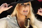 Charts US : Maroon 5 et Christina détrônent Adele, 19ème top 10 pour Rihanna