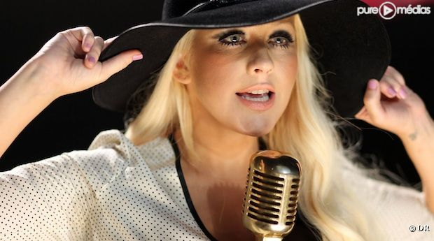 "Christina Aguilera dans le clip ""Moves Like Jagger"" de Maroon 5"
