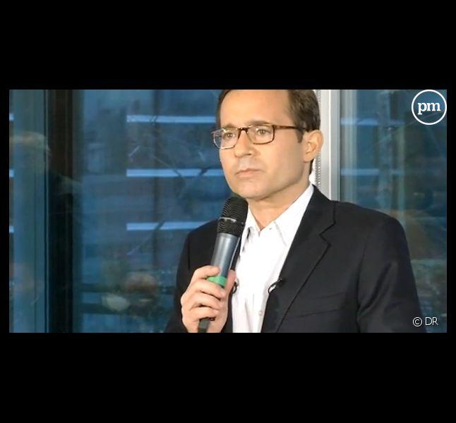 Jean-Luc Delarue annonce qu'il souffre d'un cancer, le 2 décembre 2011 à Paris.